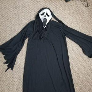 Scream/Ghost face costume